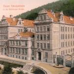 budova školy v roce 1904